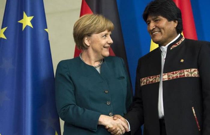 Angela Merkel y Evo Morales. Foto: AFP