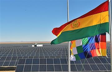Presidente inaugura en Uyuni Planta Solar Fotovoltaica