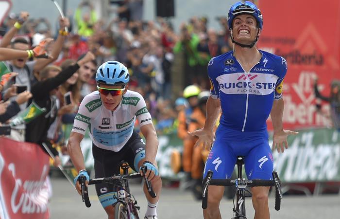 Enric Mas gana la etapa 20 de la Vuelta a España seguido de cerca de Miguel Ángel López