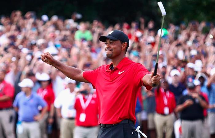 Tiger Woods gana el Tour Championship y logra alzar un título tras cinco años