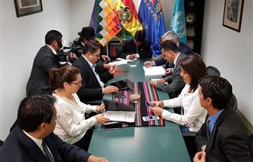 Evo Morales encabeza reunión con equipo de La Haya en Nueva York