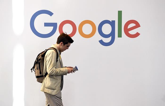 Google celebra su aniversario con un 'Doodle' que recuerda sus avances. Foto: AFP