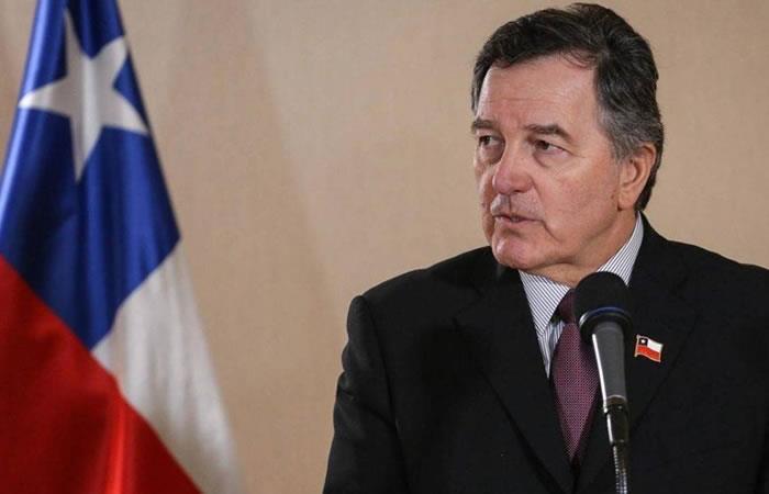 Roberto Ampuero no asistirá al fallo de la corte. Foto: AFP