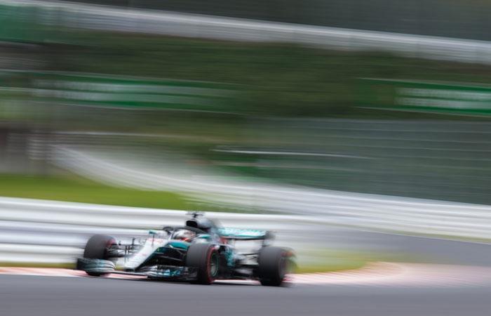 Lewis Hamilton en los ensayos libres del Gran Premio de Japón. Foto: AFP