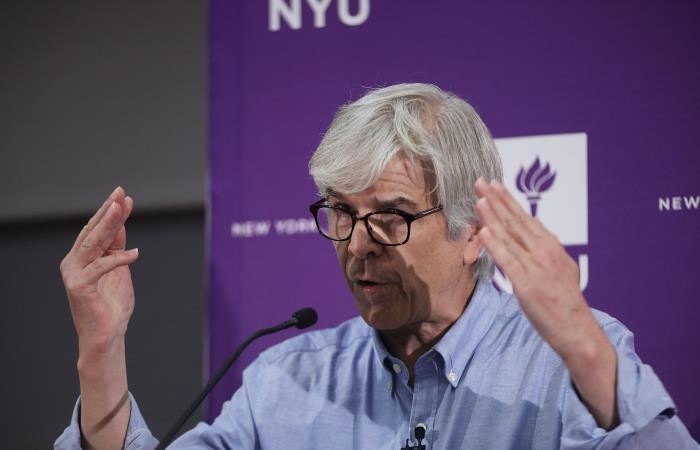 El profesor Paul Romer de la Universidad de Nueva York (NYU) en conferencia de prensa tras ganar el Premio Nobel de Economía 2018. Foto: AFP