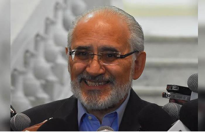 Carlos Mesa pide que se levante su secreto bancario