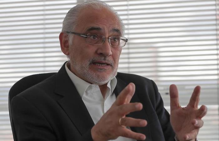 Carlos Mesa propone reevaluar la política marítima con Chile