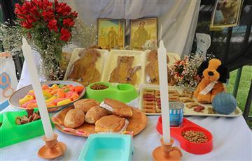 Bolivianos recibieron las almas de sus difuntos con la mejor ofrenda
