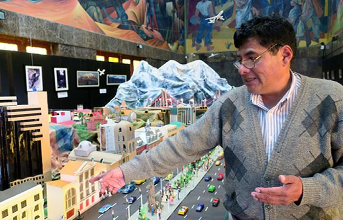 Artista boliviano Milton Carballo. Foto: EFE