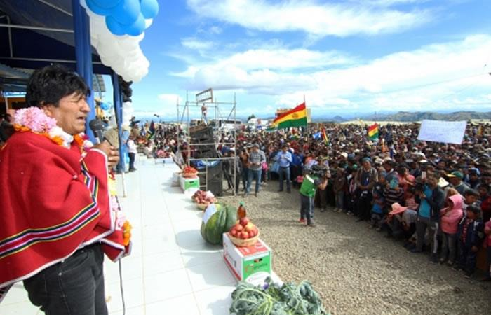 Morales agradece apoyo de movimientos sociales del campo y la ciudad en 13 años de Gobierno