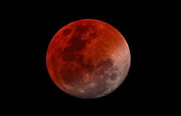 ¡Disfruta del eclipse total de Luna este fin de semana!