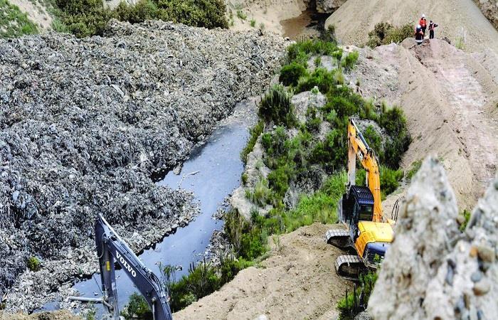 Los desechos podrían contaminar el agua utilizada para los cultivos. Foto: Twitter