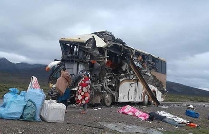 Accidente vehicular causa conmoción en Bolivia