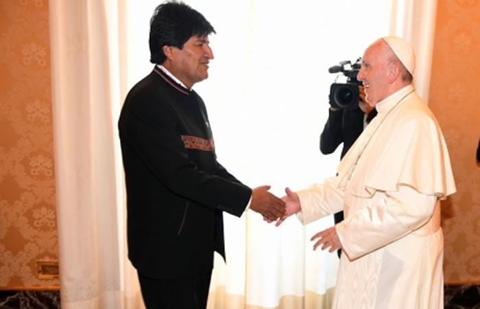 El mandatario Evo Morales y el Papa Francisco. Foto: ABI