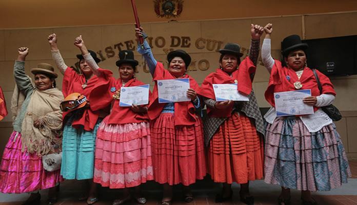 Las cholitas escaladoras de Bolivia sueñan con el Everest