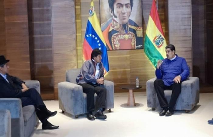 El encuentro se realizó en el aeropuerto internacional Simón Bolívar de Caracas. Foto: ABI