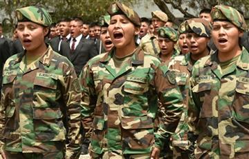 Bolivia licencia primeras mujeres que cumplieron servicio militar