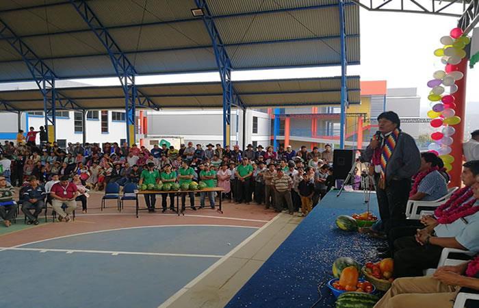 Morales inaugura Unidad Educativa Técnico Humanístico en Omereque