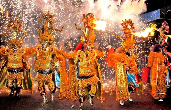 Alta participación en el Carnaval de Oruro. Foto: Shutterstock