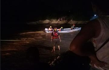 Rescatan a 11 personas atrapadas por una crecida del río Piraí en Santa Cruz