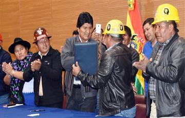 Morales crea seguro para constructores y suma a municipales a la Ley General del Trabajo