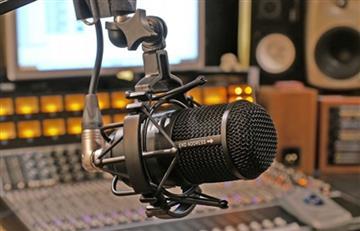 Evo felicita por el 'Día del Trabajador de Radio y Televisión'