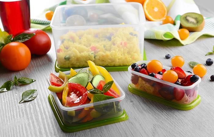 Alimentos que nunca debes guardar en un recipiente de plástico