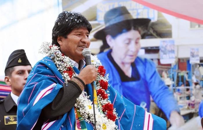Morales instó a las autoridades y a la población a educarse e informarse sobre su salud de manera anual. Foto: ABI.