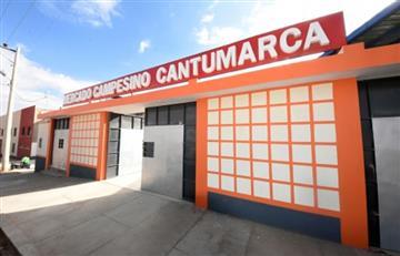 Morales entrega un mercado campesino en un barrio de la ciudad de Potosí