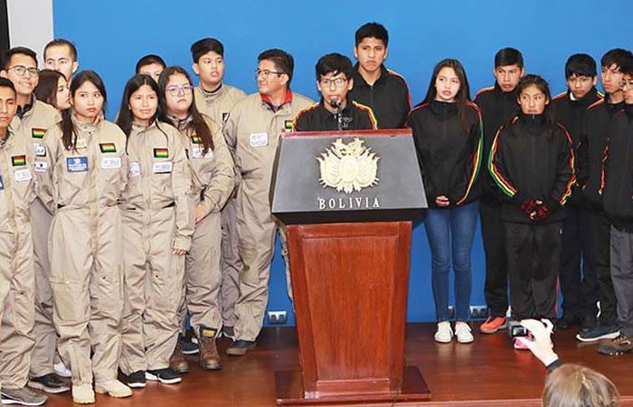 Algunos jóvenes que participarán en este desafío. Foto: ABI