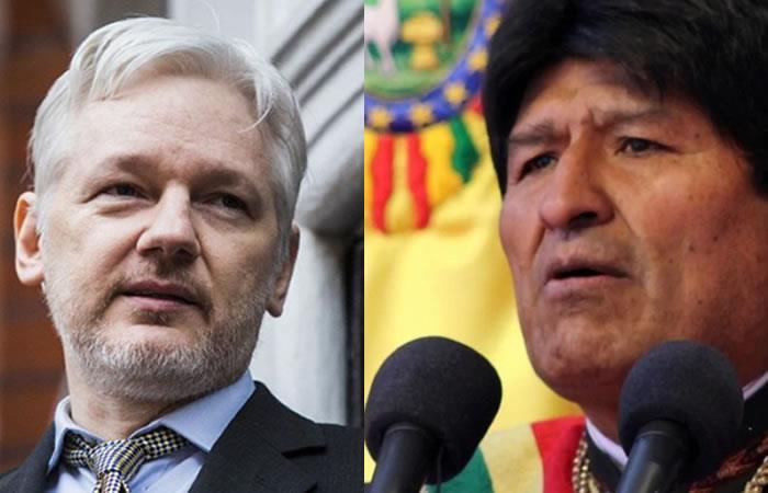 Fundador de WikiLeaks y el presidente de Bolivia. Foto: AFP
