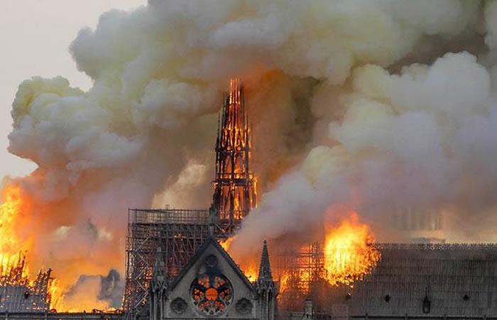 El incendio de Notre Dame deja al mundo con el corazón roto