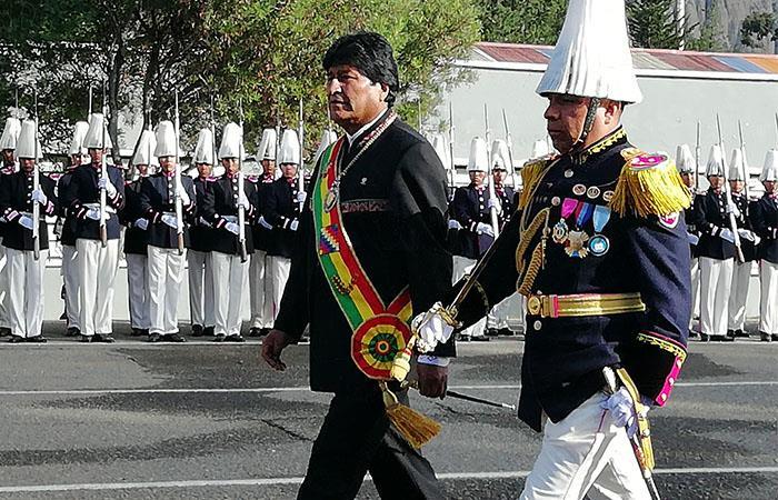 Evo Morales conmemora el aniversario del Colegio Militar del Ejército