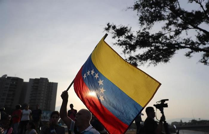 Oposición boliviana apoya a Guaidó frente al respaldo de Evo Morales a Maduro