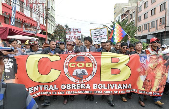 El Presidente de Bolivia encabezó la manifestación de los trabajadores en Cochabamba. Foto: ABI