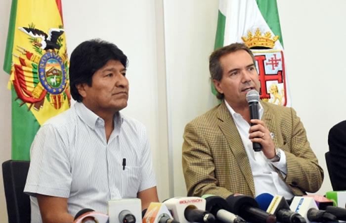 Presidente de Bolivia, Evo Morales y el presidente de los Juegos Panamericanos, Neven Ilic Álvarez. Foto: ABI