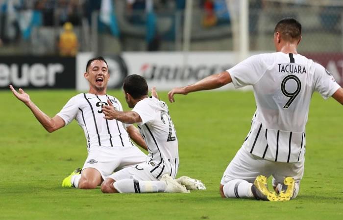 Libertad juega este miércoles ante el Rosario Central. Foto: EFE.