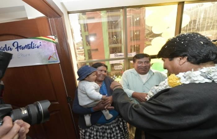 Evo Morales no olvida a los damnificados por el deslizamiento en La Paz. Foto: ABI.