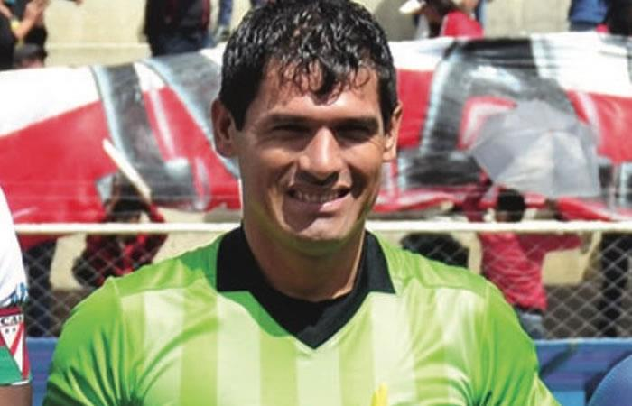 Q.E.P.D. el árbitro Víctor Hugo Hurtado. Foto: Twitter @marceloclaure