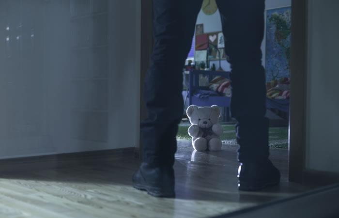 Abusos y violaciones por parte de su progenitor. Foto: ShutterStock.