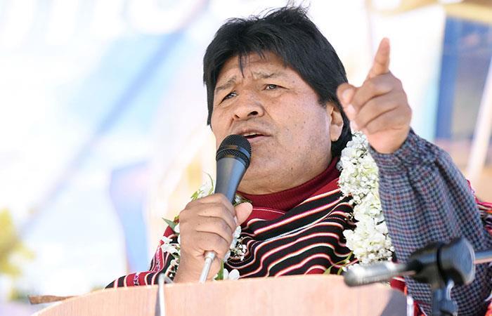 Evo Morales llegó este domingo a Lima donde celebrará los 50 años de la CAN: Foto: ABI