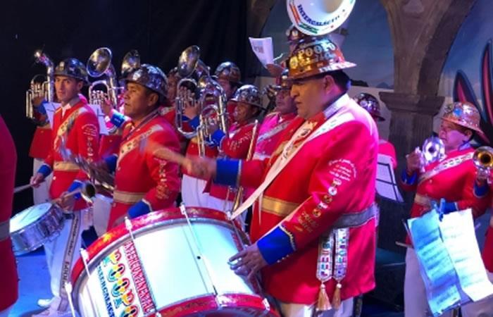 Banda Intergaláctica Poopó de Oruro. Foto: ABI
