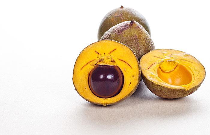 La lúcuma es una fruta muy popular de Perú y Bolivia. Foto: Shutterstock