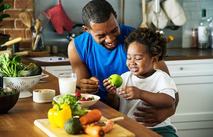 Cinco alimentos que no debes calentar en el microndas