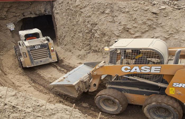 Rescatan a minero boliviano atrapado en Chile