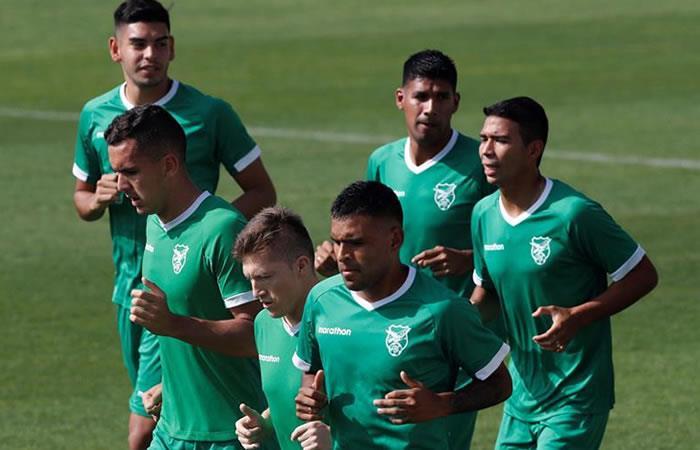 Los jugadores de la selección de fútbol de Bolivia durante el entrenamiento que el equipo ha realizado este domingo. Foto: EFE