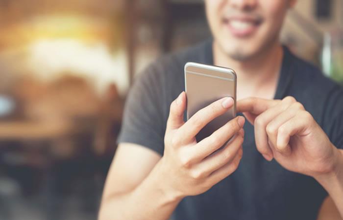 Asi es como 'WhatsApp' se despide de los sistemas operativos viejitos. Foto: Shutterstock.
