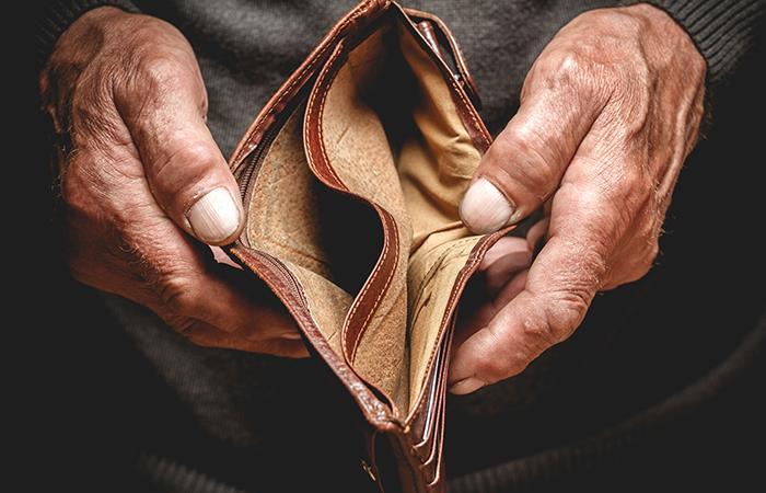 Cuide muy bien su bolsillo y evite grandes deudas. Foto: Shutterstock