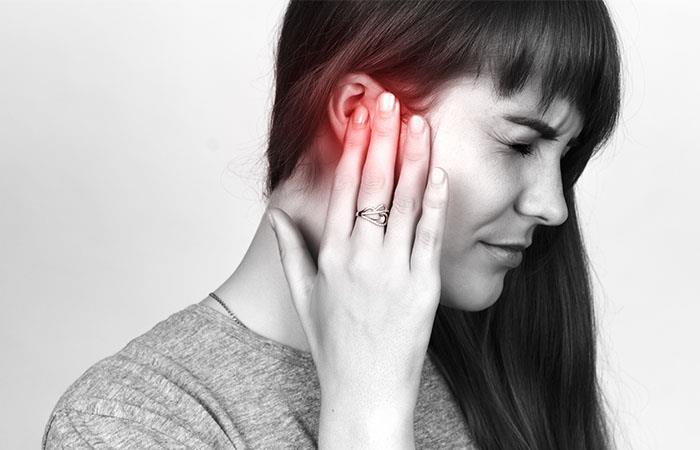 La otitis presenta síntomas similares en niños y adultos. Foto: Shutterstock