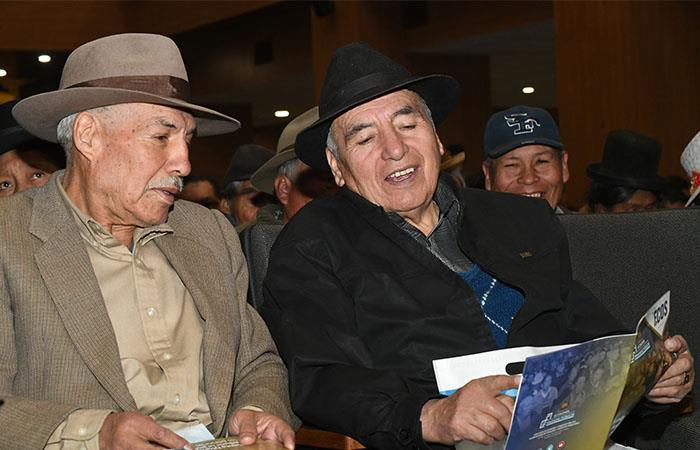 La Renta Dignidad se paga a todos los adultos mayores de 60 años. Foto: ABI